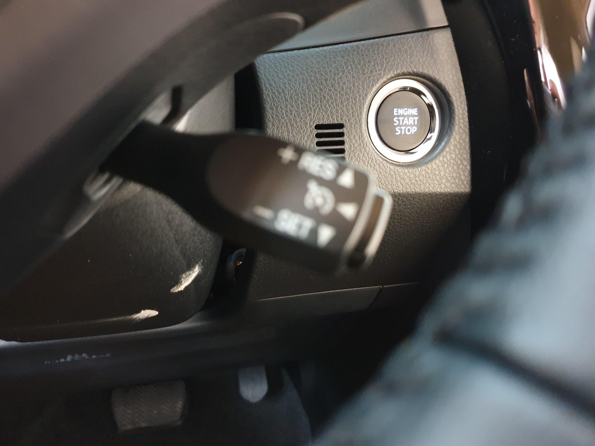 Altis 1.8 G CVT ảnh 17 - Altis 2.0 Luxury [hienthinam]: khuyến mãi và giá xe cập nhật mới