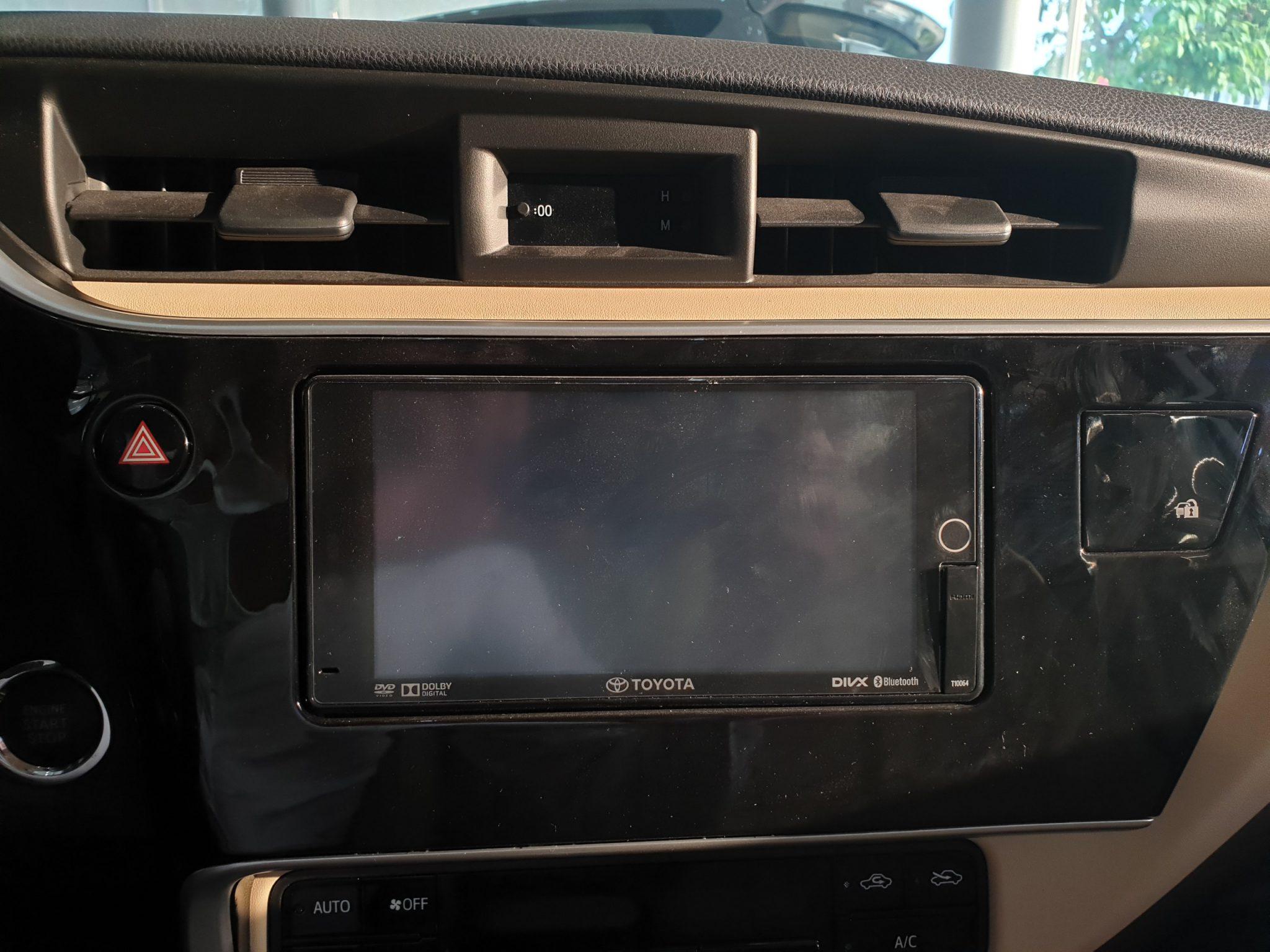 Altis 1.8 G CVT ảnh 4 - Altis 1.8 G CVT [hienthinam]: khuyến mãi và giá xe cập nhật mới