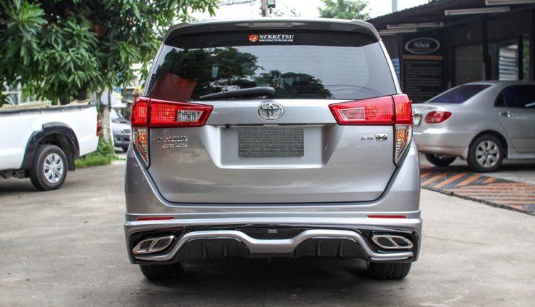 Hình ảnh chiếc xe Innova Crysta ảnh 4 - Toyota Innova: khuyến mãi và giá xe tháng [hienthithang]/[hienthinam]