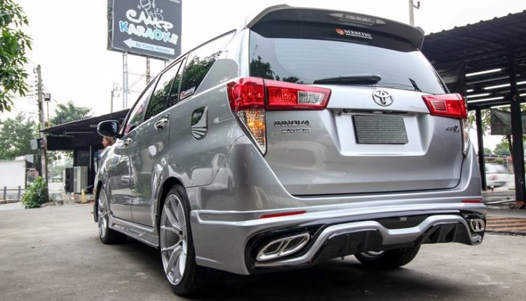 Hình ảnh chiếc xe Innova Crysta ảnh 7 - Toyota Innova: khuyến mãi và giá xe tháng [hienthithang]/[hienthinam]