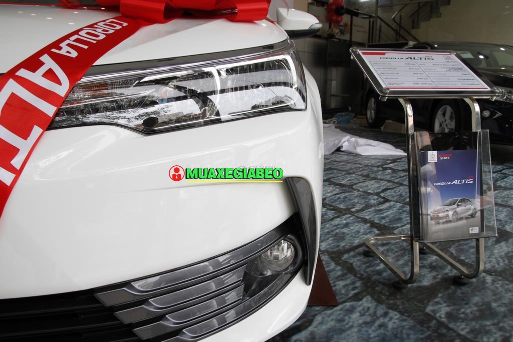 Toyota Corolla Altis 1 8E CVT ảnh 11 - Altis 1.8 E CVT [hienthinam]: khuyến mãi và giá xe cập nhật mới