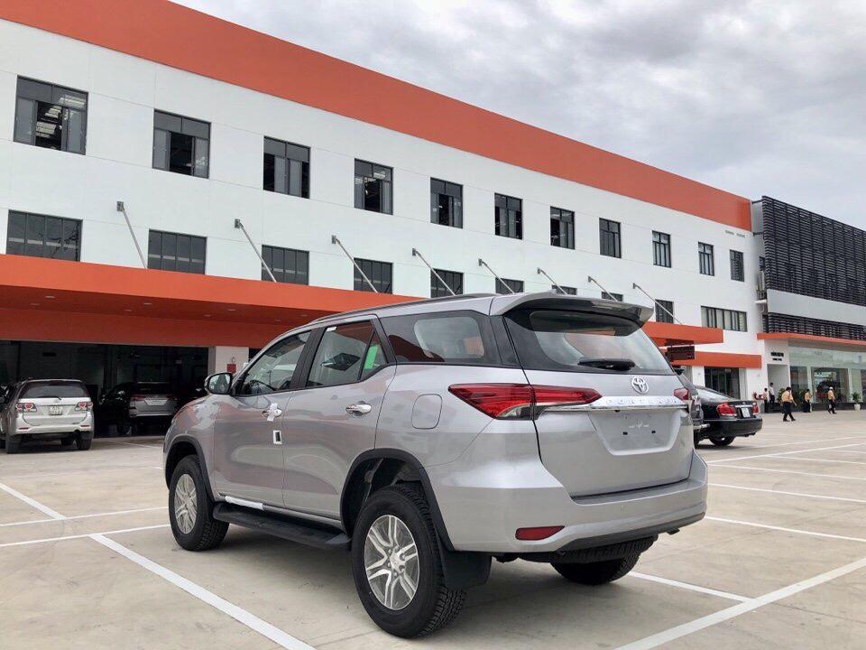 Đánh giá Toyota Fortuner 2.7 V 4x2 lăn bánh mua xe trả góp tại TPHCM ảnh 4 - Fortuner 2.7 V 4x2 AT [hienthinam]: giá xe và khuyến mãi mới