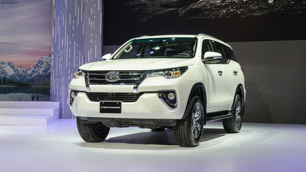 Đánh giá Toyota Fortuner 2.7 V 4x2 lăn bánh mua xe trả góp tại TPHCM ảnh 9 - Fortuner 2.4G 4x2 AT [hienthinam]: giá xe và khuyến mãi mới