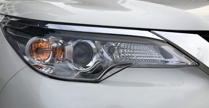 Cụm đèn xe Fortuner mới
