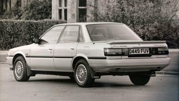 Camry đời đầu - Toyota Camry: Giá xe & Khuyến mãi 2020