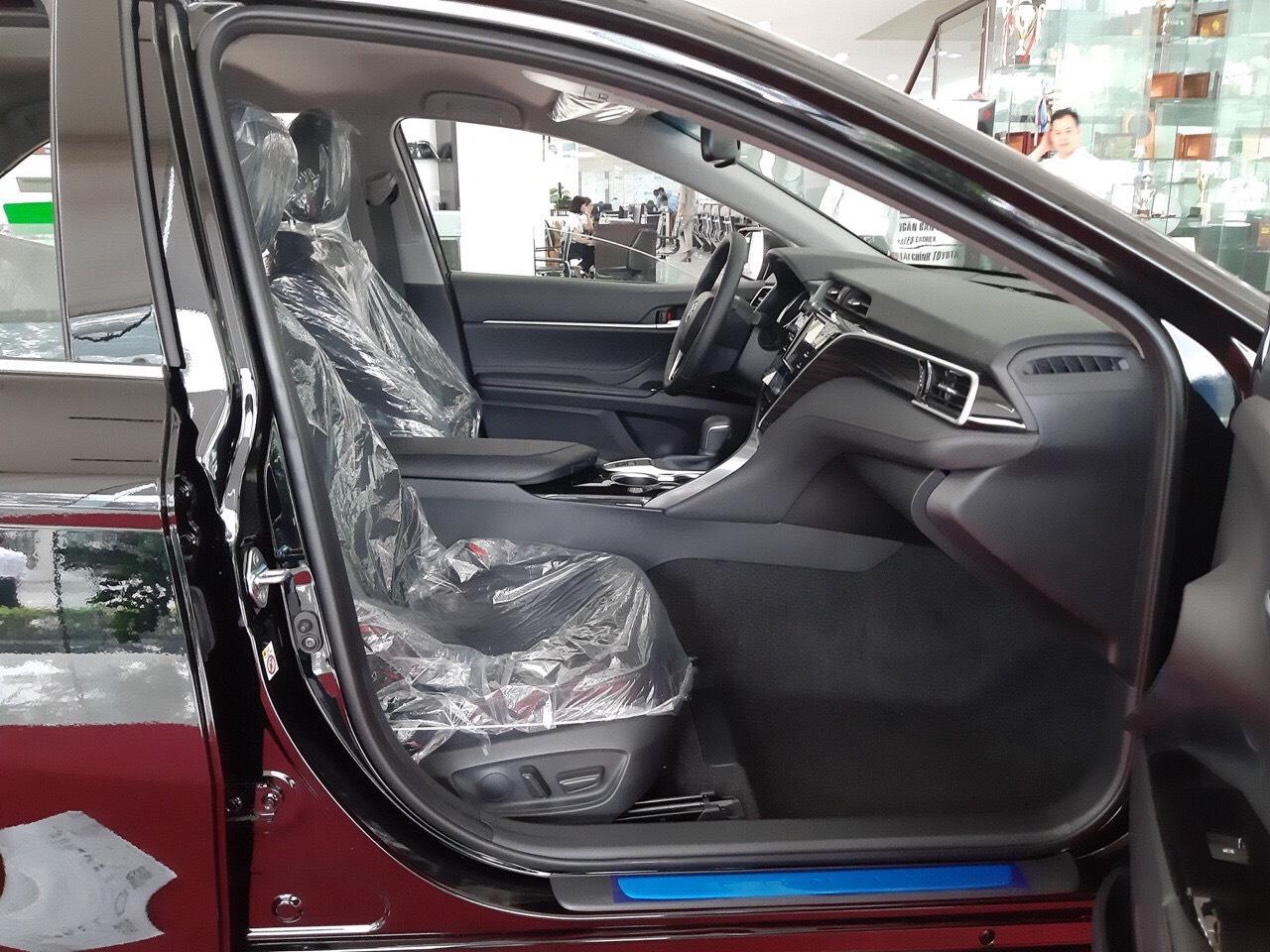 Toyota Camry 2.0G ảnh 5 - Camry 2.0G [hienthinam]: giá xe và khuyến mãi tháng [hienthithang]