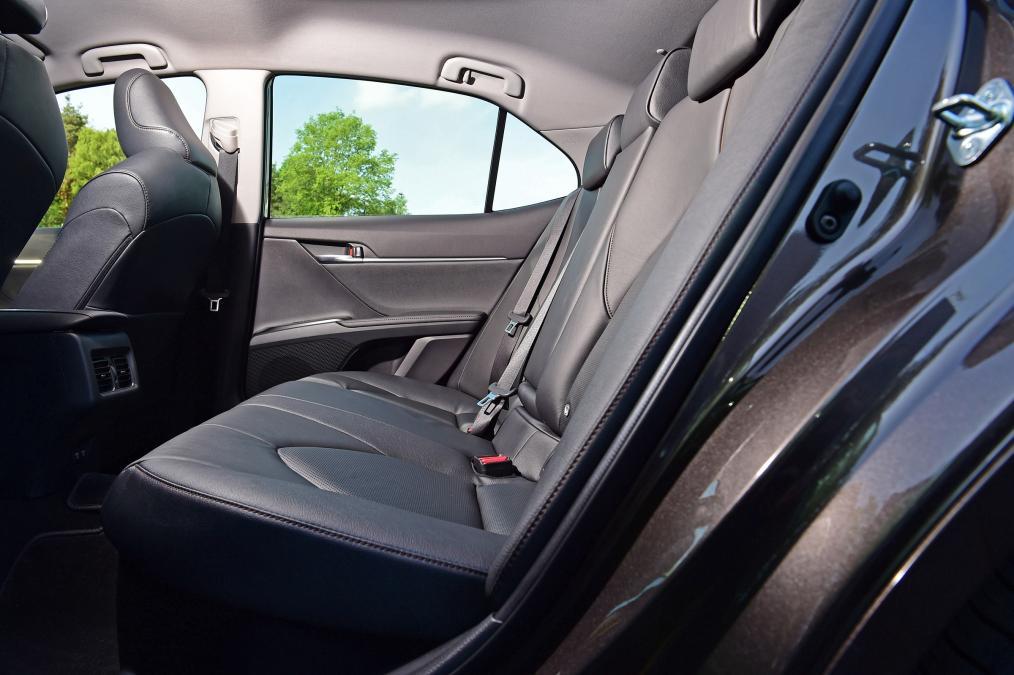 Toyota Camry 2019 nhap khau anh 12 - Toyota Camry: giá xe và khuyến mãi cập nhật tháng [hienthithang]/[hienthinam]