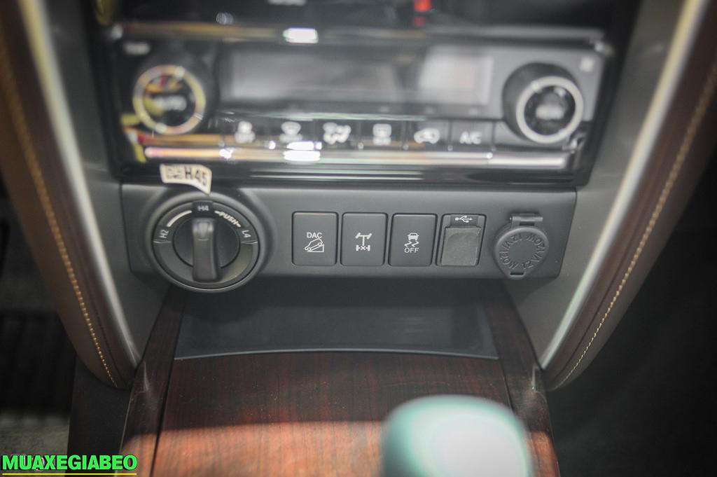 Toyota Fortuner ảnh 6 - Fortuner 2.7 V 4x2 AT [hienthinam]: giá xe và khuyến mãi mới
