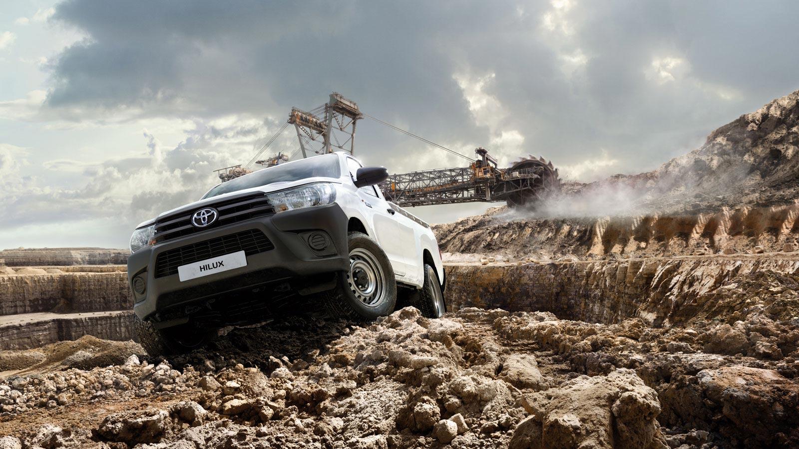 Đánh giá xe bán tải Toyota Hilux phiên bản mới ảnh 25 - Toyota Hilux: khuyến mãi và giá xe tháng [hienthithang]/[hienthinam]
