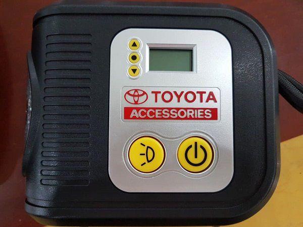 Bơm lốp xe Toyota - Fortuner 2.4G 4x2 AT [hienthinam]: giá xe và khuyến mãi mới