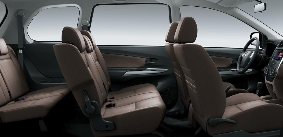 Không gian bên trong xe Toyota Avanza - Avanza 1.5 AT [hienthinam] (số tự động): giá xe và khuyến mãi