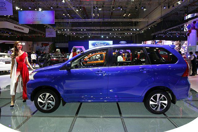 Toyota Avanza màu xanh ảnh 19 - Toyota Avanza: thông số và giá xe tháng [hienthithang]