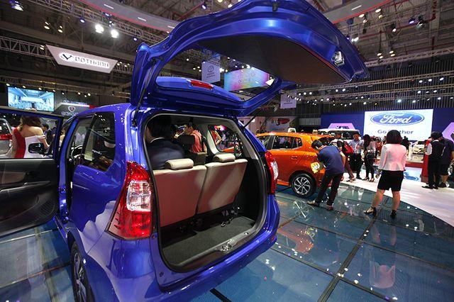 Toyota Avanza màu xanh ảnh 21 - Toyota Avanza: thông số và giá xe tháng [hienthithang]