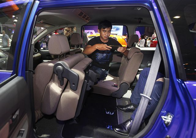 Toyota Avanza màu xanh ảnh 22 - Avanza 1.5 AT [hienthinam] (số tự động): giá xe và khuyến mãi