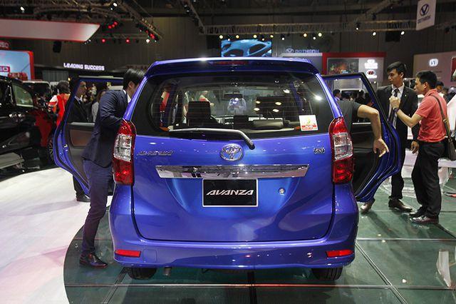 Toyota Avanza màu xanh ảnh 28 - Toyota Avanza: thông số và giá xe tháng [hienthithang]