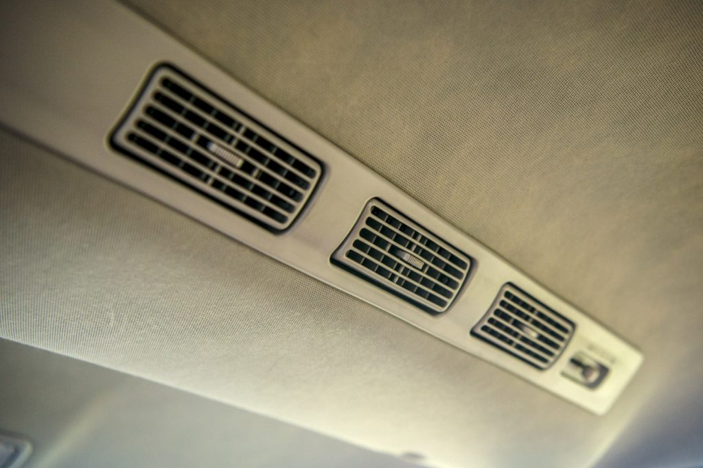Toyota Avanza màu xanh ảnh 4 - Toyota Avanza: thông số và giá xe tháng [hienthithang]