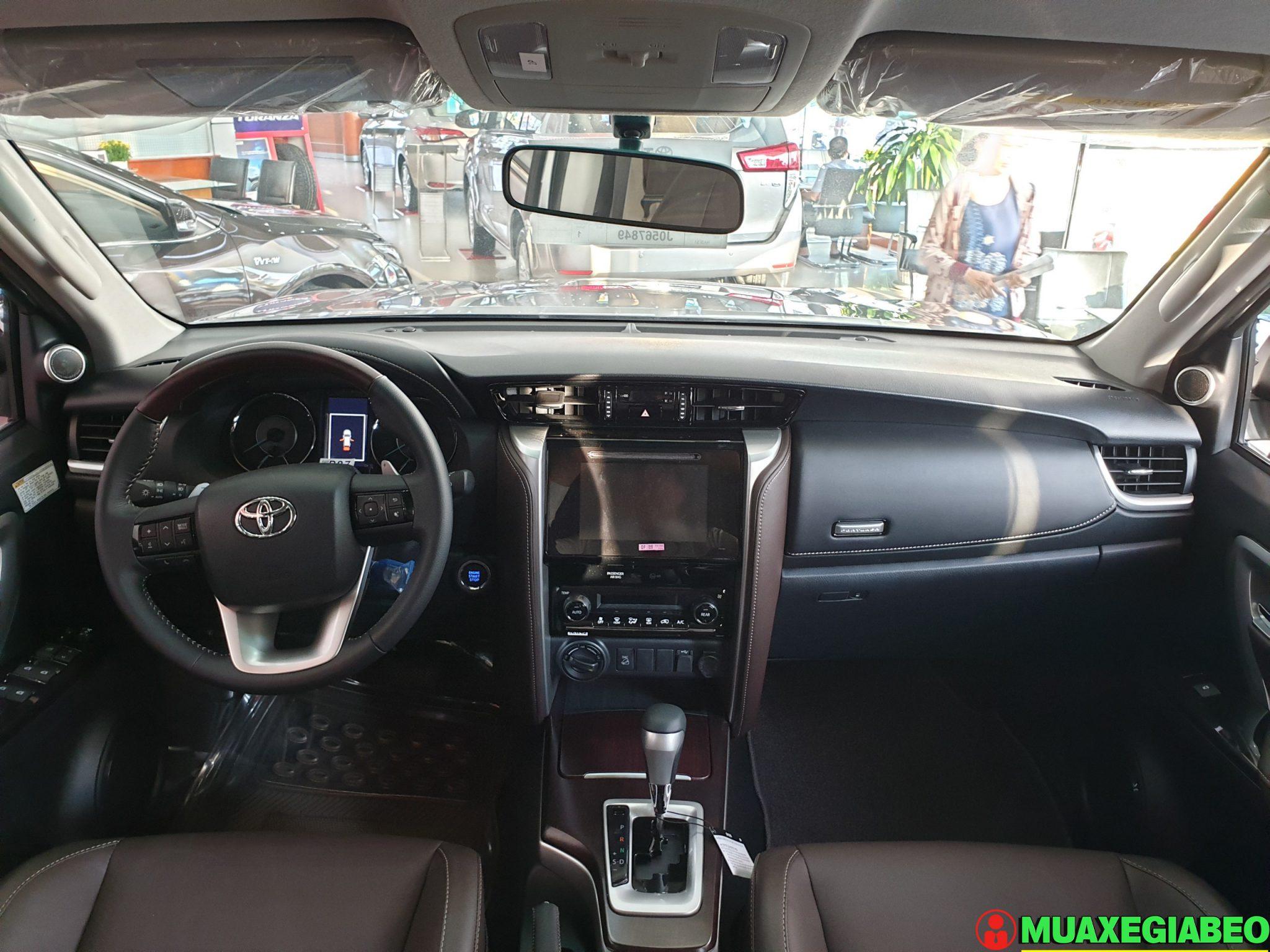 Toyota Fortuner 2.8 V diesel 4x4 AT Đánh giá thông số lăn bánh trả góp ảnh 3 - Fortuner 2.8 V 4WD [hienthinam]: giá xe và khuyến mãi mới