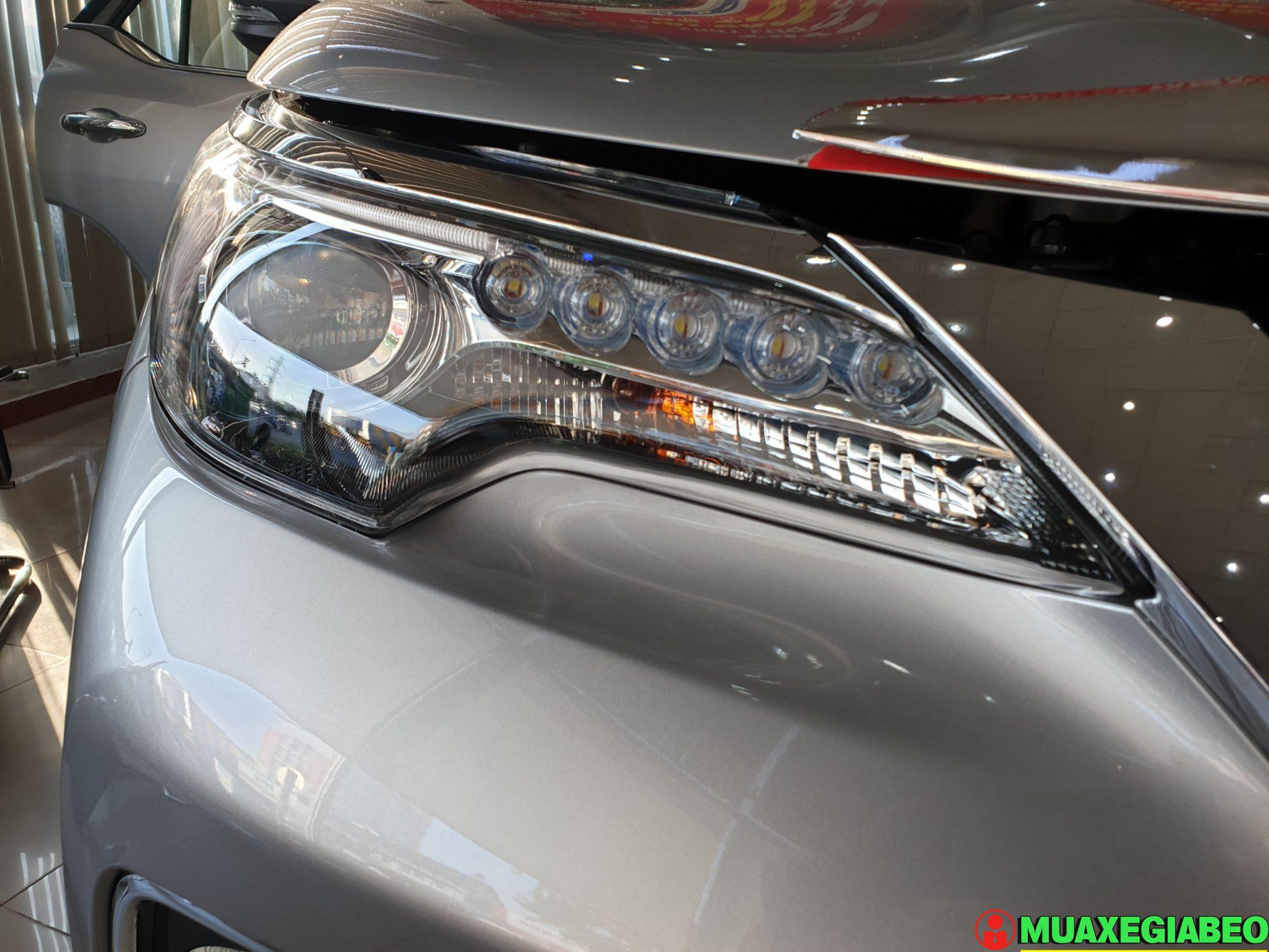 Toyota Fortuner 2.8 V diesel 4x4 AT Đánh giá thông số lăn bánh trả góp ảnh 5 - Fortuner 2.8 V 4WD [hienthinam]: giá xe và khuyến mãi mới