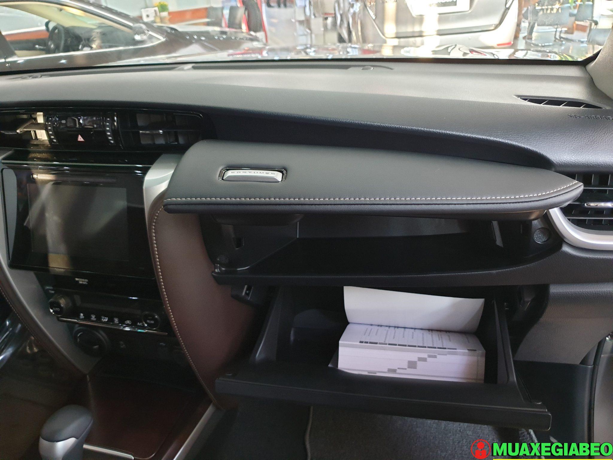 Toyota Fortuner 2.8 V diesel 4x4 AT Đánh giá thông số lăn bánh trả góp ảnh 7 - Fortuner 2.4G 4x2 AT [hienthinam]: giá xe và khuyến mãi mới