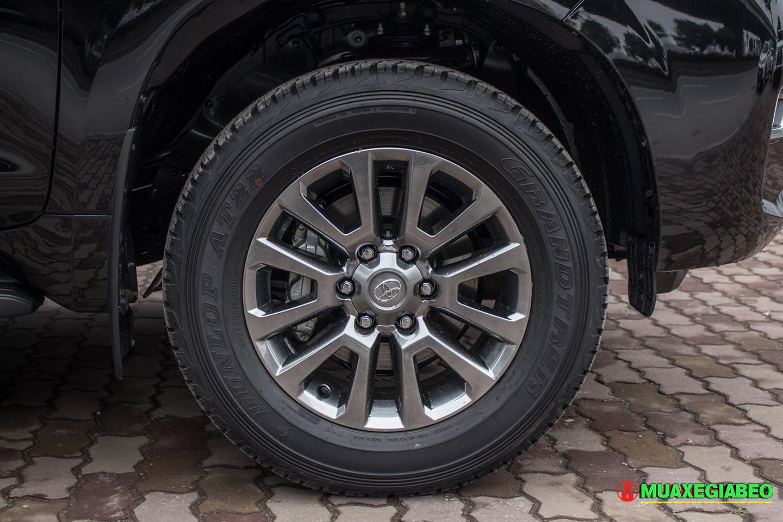 Toyota Prado ảnh 8 - Land Cruiser và Prado: Thông số, hình ảnh và giá xe năm [hienthinam]