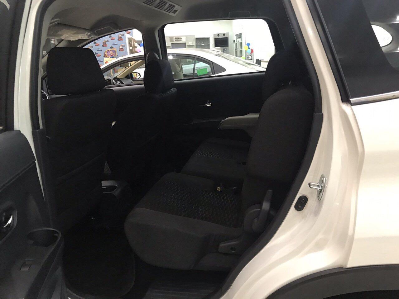 Toyota Rush màu trắng ảnh 2 - Toyota Rush: giá xe và khuyến mãi tháng [hienthithang]