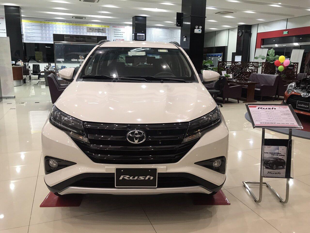 Toyota Rush màu trắng ảnh 3 - Toyota Rush: giá xe và khuyến mãi tháng [hienthithang]