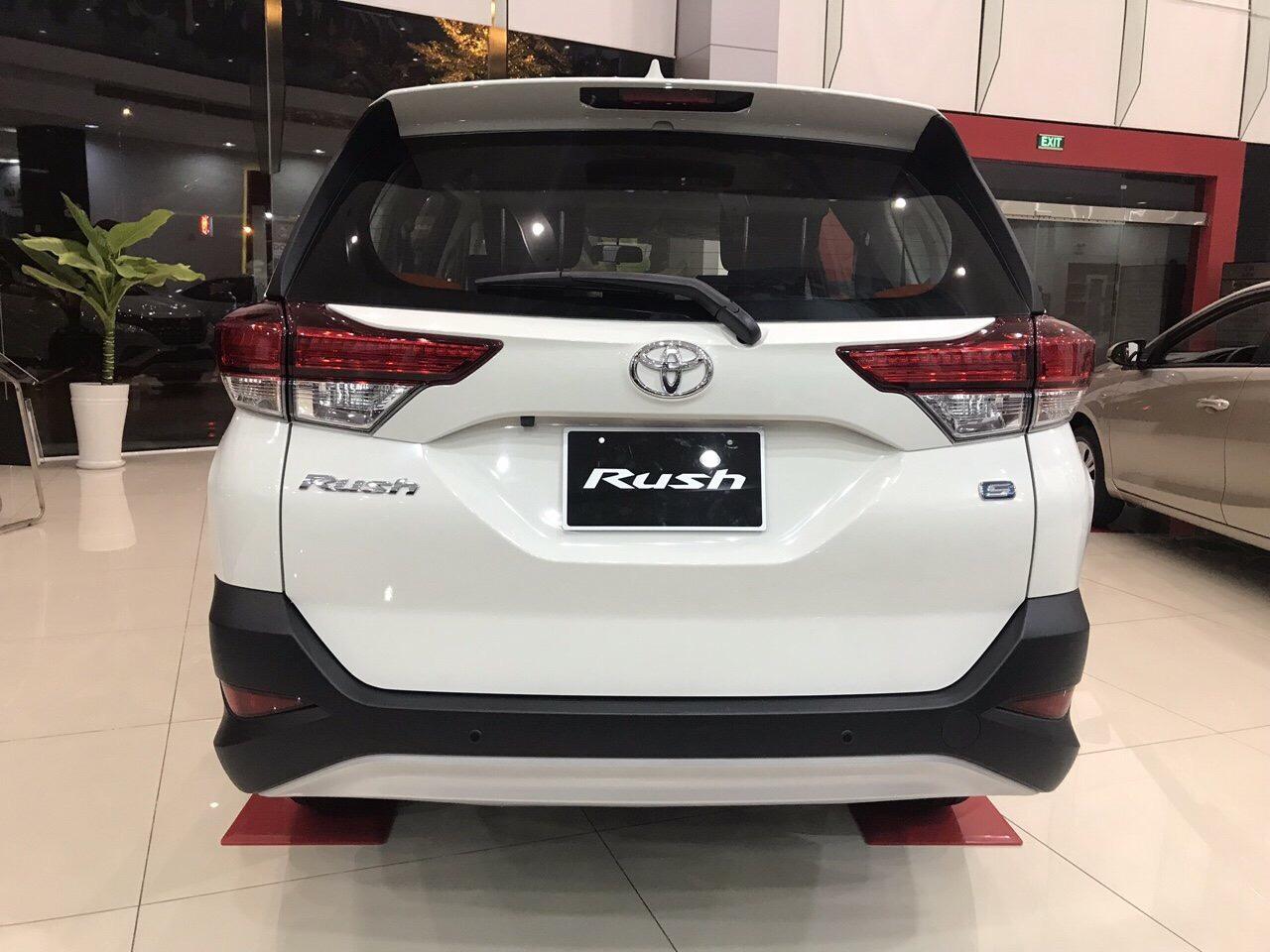 Toyota Rush màu trắng ảnh 4 - Toyota Rush: giá xe và khuyến mãi tháng [hienthithang]