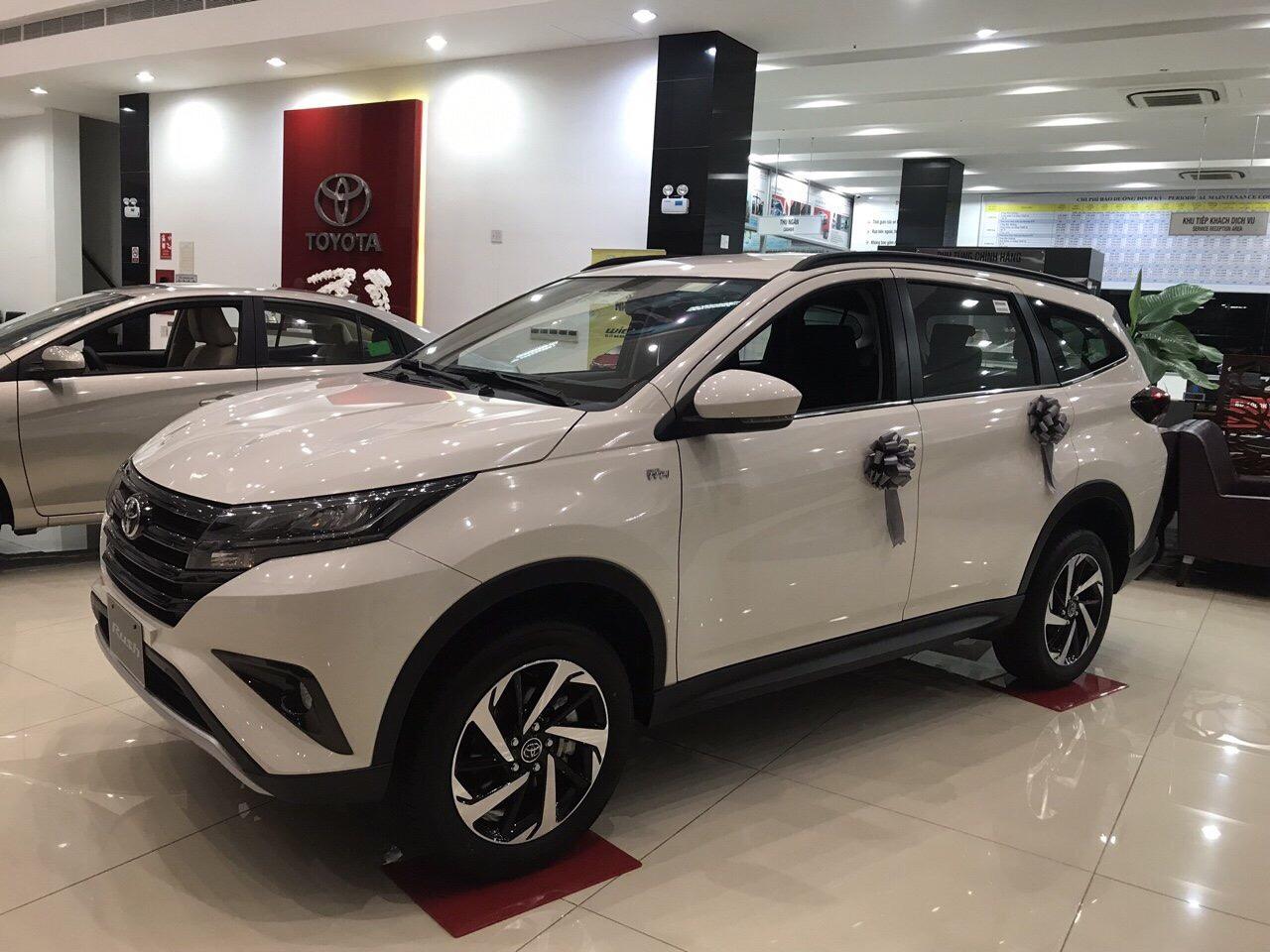 Toyota Rush màu trắng ảnh 8 - Toyota Rush: giá xe và khuyến mãi tháng [hienthithang]