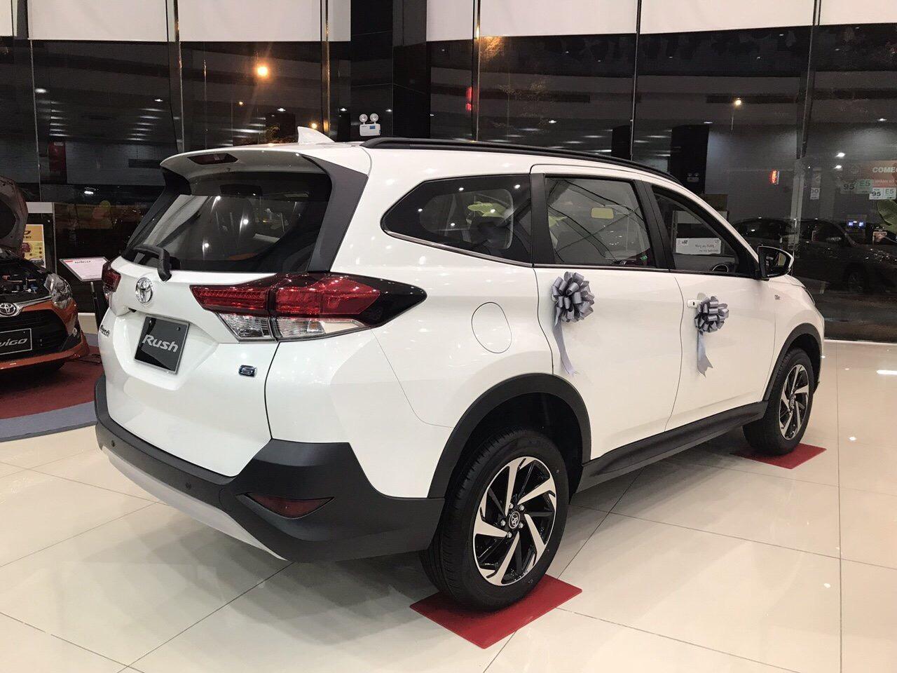 Toyota Rush màu trắng ảnh 9 - Toyota Rush: giá xe và khuyến mãi tháng [hienthithang]
