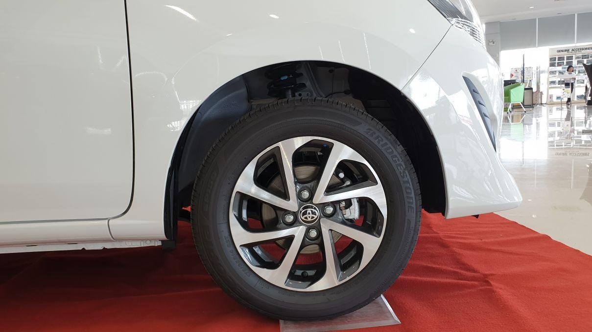 Toyota Wigo 1.2 MT Mẫu xe thành thị sang trọng giá hời đã có mặt tại VN ảnh 6 - Wigo 1.2MT [hienthinam] (số sàn): giá xe và khuyến mãi mới