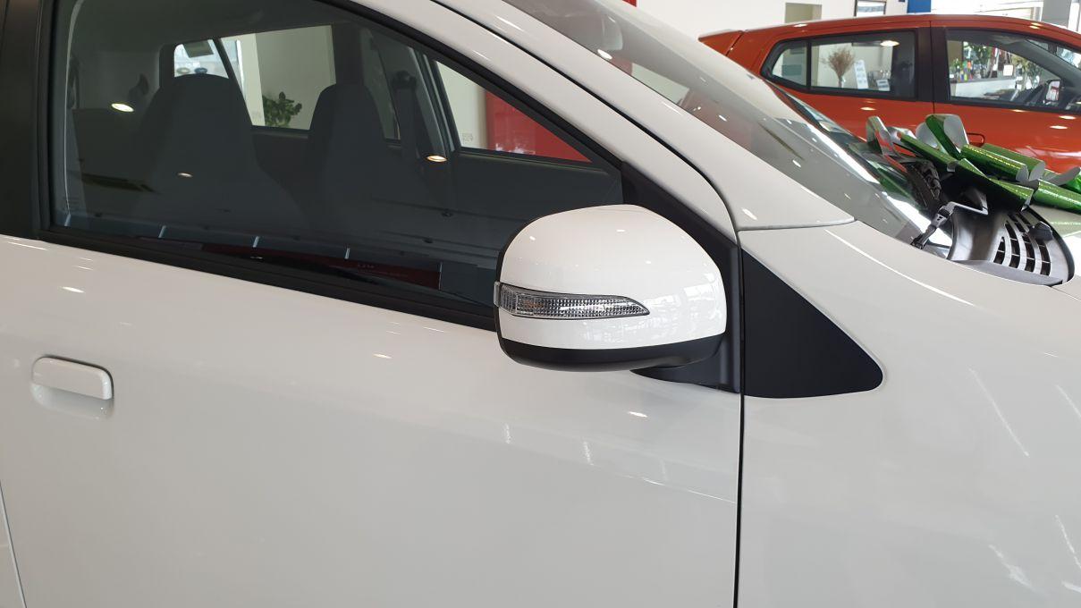 Toyota Wigo 1.2 MT Mẫu xe thành thị sang trọng giá hời đã có mặt tại VN ảnh 9 - Wigo 1.2MT [hienthinam] (số sàn): giá xe và khuyến mãi mới
