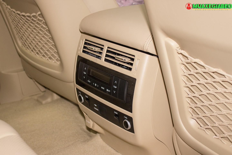 Xe Land Cruiser v8 ảnh 19 - Land Cruiser và Prado: Thông số, hình ảnh và giá xe năm [hienthinam]