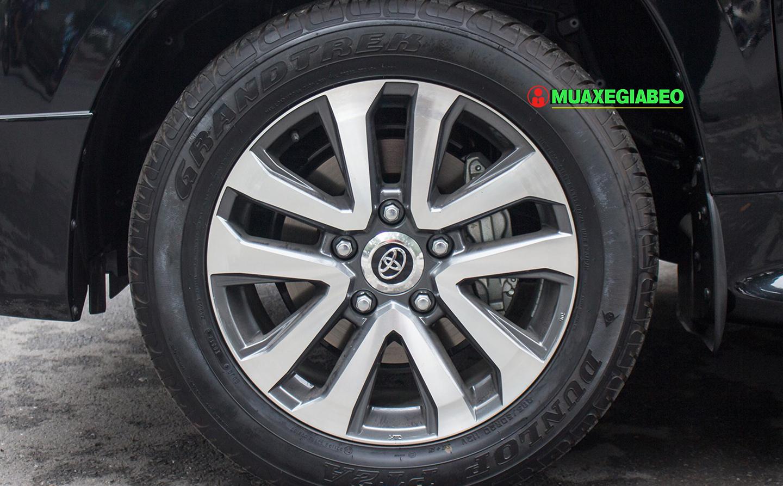 Xe Land Cruiser v8 ảnh 4 - Land Cruiser và Prado: Thông số, hình ảnh và giá xe năm [hienthinam]