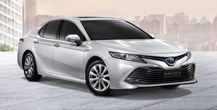 Camry 2019 nhập khẩu màu bạc - Camry 2019: khuyến mãi và giá xe cập nhật tháng [hienthithang]