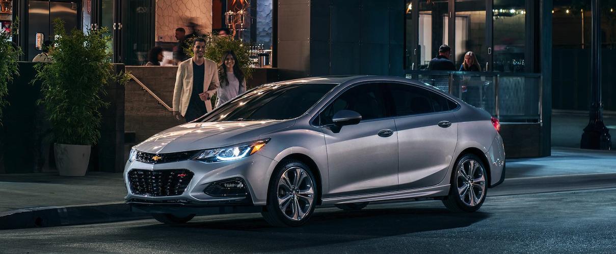 Chevrolet Cruze 2019 máy dầu - Top những xe 5 chỗ đáng mua nhất