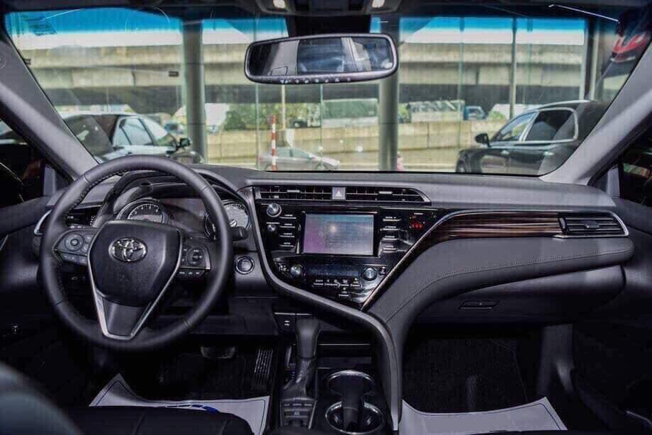 Nội thất trên xe Camry mới ảnh 6 - Camry 2019: khuyến mãi và giá xe cập nhật tháng [hienthithang]