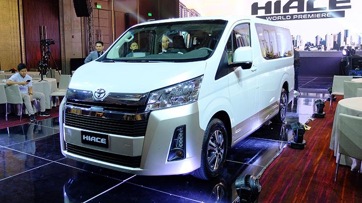 Toyota Hiace 2020: Đánh giá chi tiết, thông số, lăn bánh trả góp