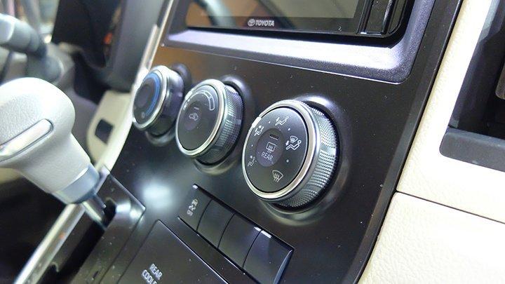 Toyota Hiace 16 chỗ máy dầu ảnh 39 - Toyota Hiace: khuyến mãi và giá xe cập nhật tháng [hienthithang]/[hienthinam]
