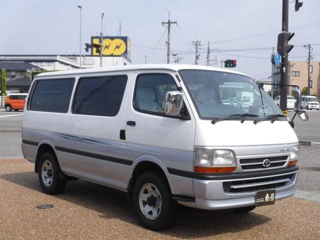 Toyota Hiace 2003 - Toyota Hiace: khuyến mãi và giá xe cập nhật tháng [hienthithang]/[hienthinam]