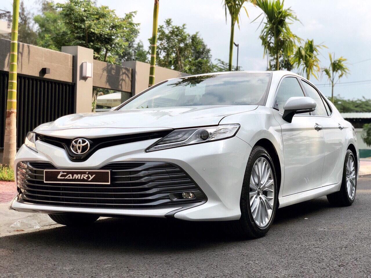 xe camry 2019 ảnh 3 - Toyota Camry: giá xe và khuyến mãi cập nhật tháng [hienthithang]/[hienthinam]