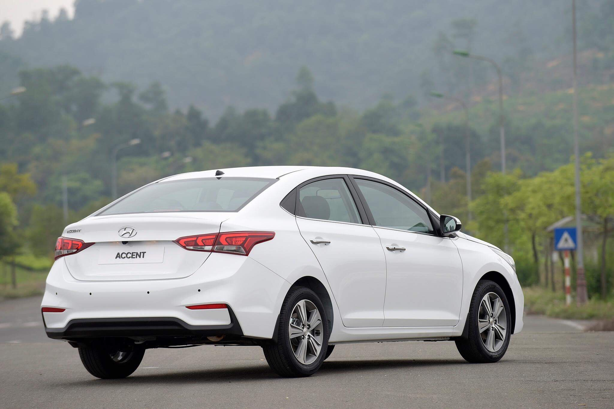 Hyundai accent anh 22 - Hyundai Accent mới: giá xe và khuyến mãi tháng [hienthithang]/[hienthinam]