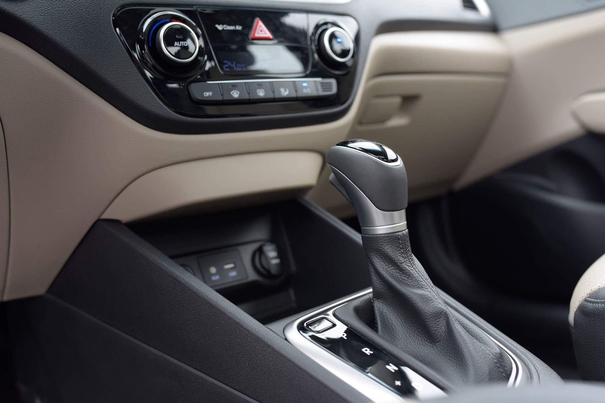 Hyundai accent anh 29 - Hyundai Accent mới: giá xe và khuyến mãi tháng [hienthithang]/[hienthinam]