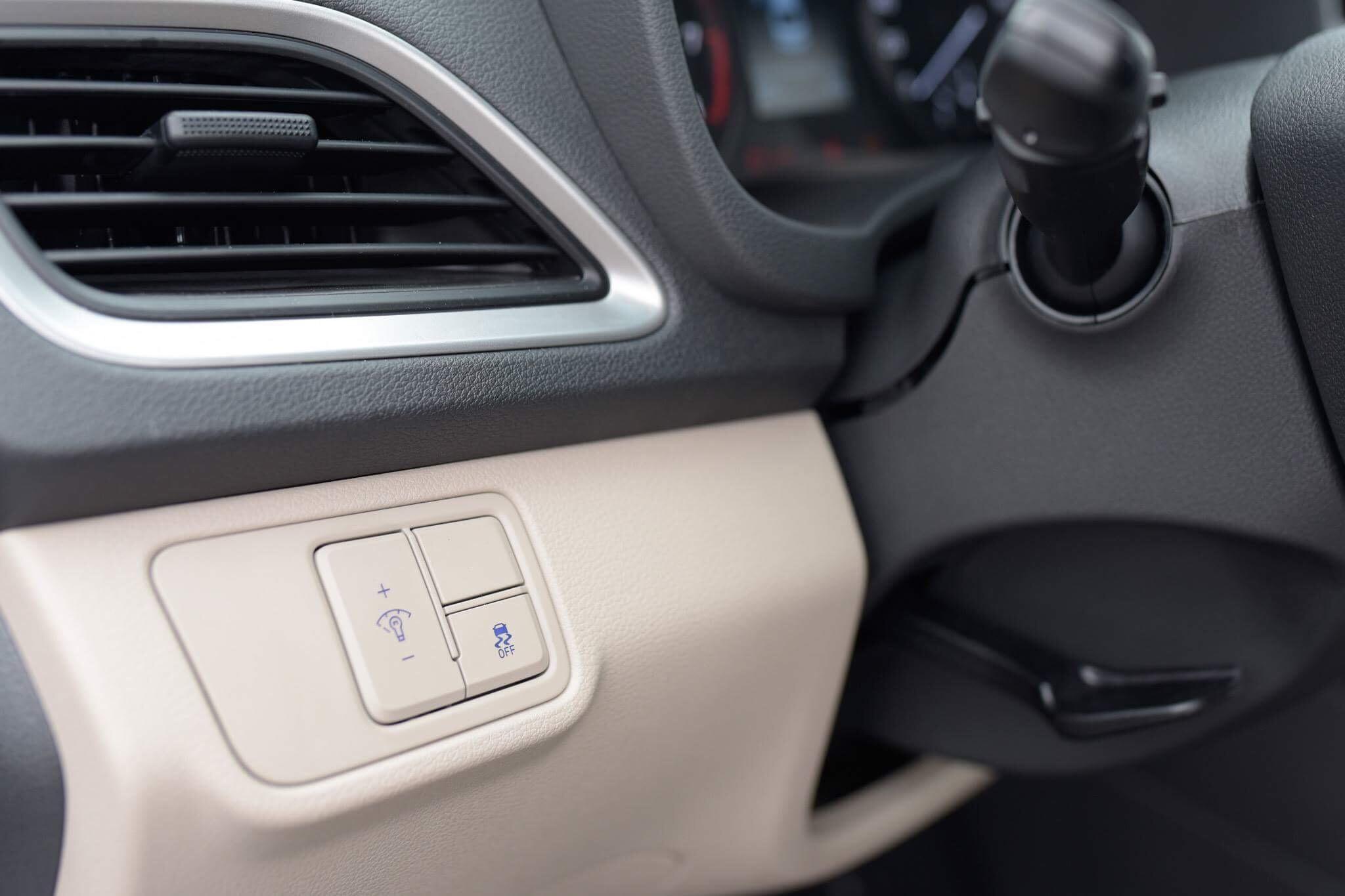 Hyundai accent anh 33 - Hyundai Accent mới: giá xe và khuyến mãi tháng [hienthithang]/[hienthinam]