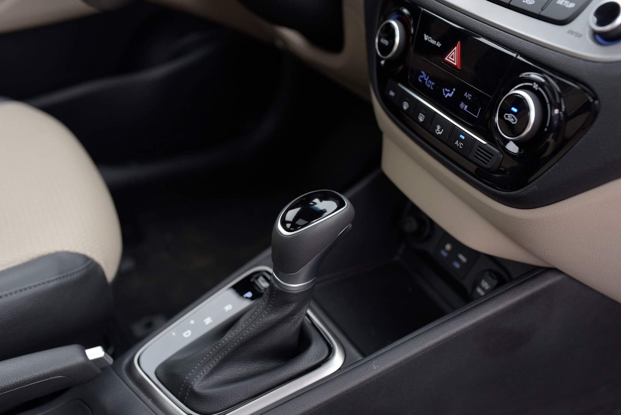 Hyundai accent anh 36 - Hyundai Accent mới: giá xe và khuyến mãi tháng [hienthithang]/[hienthinam]