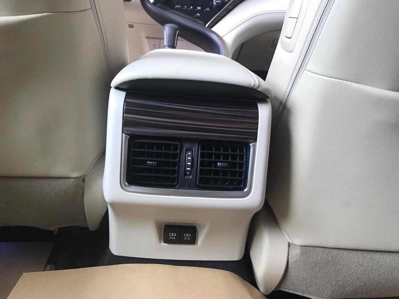 Toyota Camry 2.5Q ảnh 11 - Camry 2.5Q [hienthinam]: giá xe và khuyến mãi tháng [hienthithang]