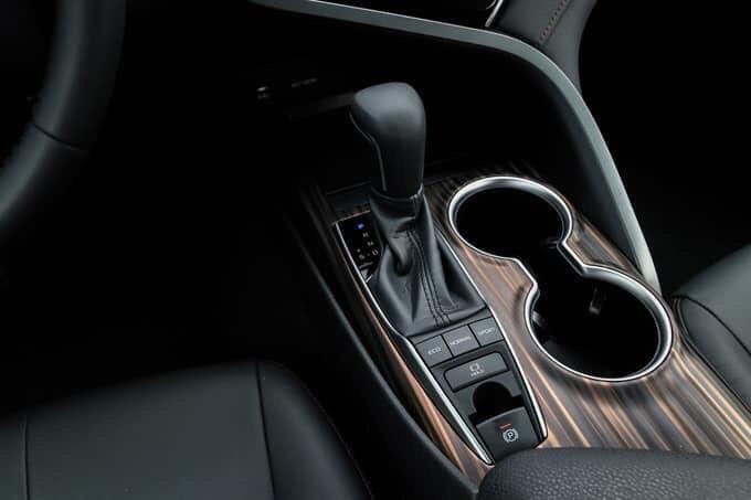 Toyota Camry 2.5Q ảnh 4 - Camry 2.0G [hienthinam]: giá xe và khuyến mãi tháng [hienthithang]