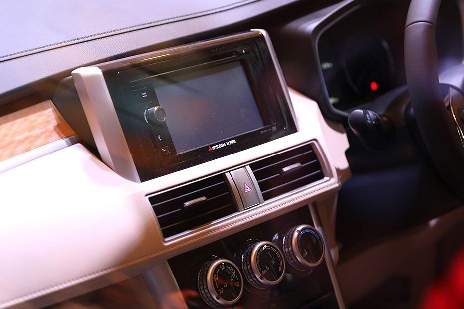 Xe Mitsubishi Xpander anh 25 - Mitsubishi Xpander [hienthinam]: thông số, giá xe & khuyến mãi tháng [hienthithang]