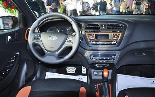 chơi xe hơi ảnh 7 - Phụ kiện Ô Tô phổ biến trên xe hiện nay