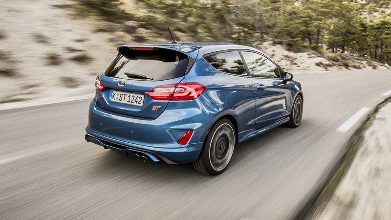 ford fiesta anh 11 - Ford Fiesta [hienthinam]: thông số, giá xe & khuyến mãi tháng [hienthithang]