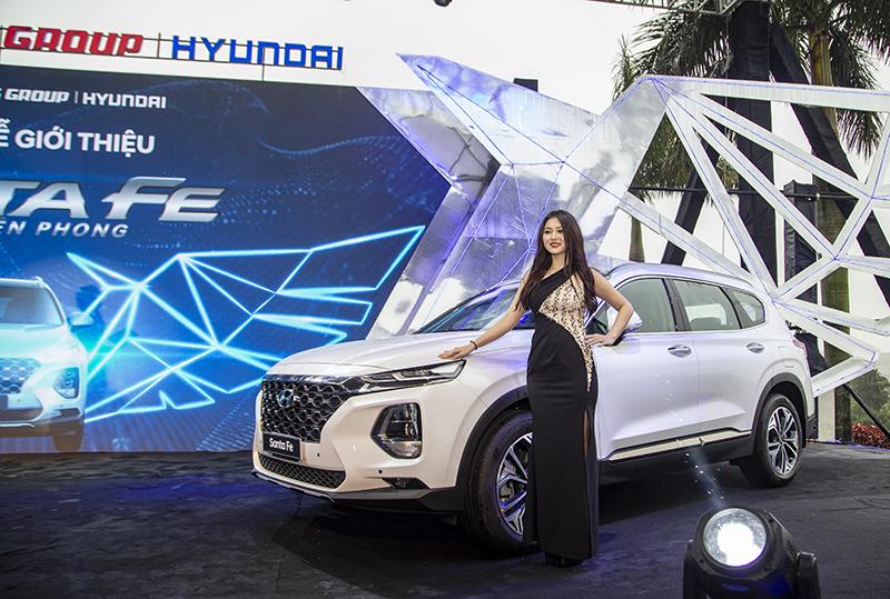 Hyundai Santafe 18 - Xe 7 chỗ giá rẻ nhất Việt Nam